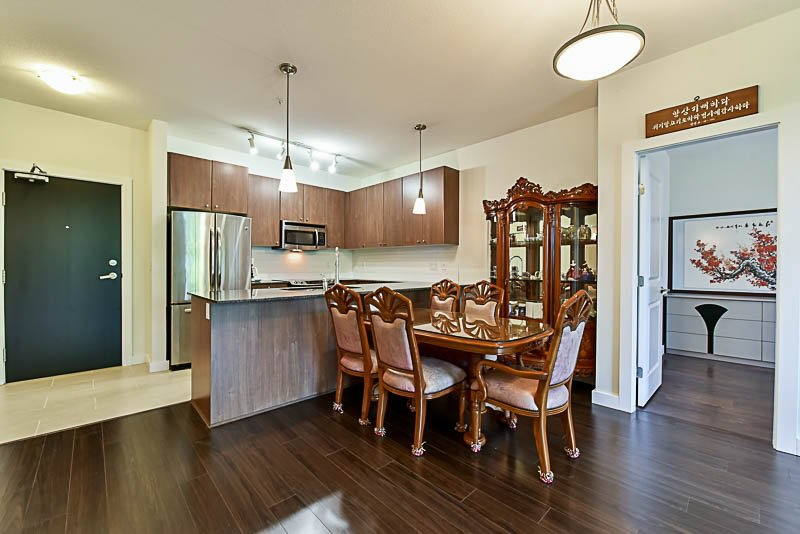 """Photo 7: Photos: 104 240 FRANCIS Way in New Westminster: Fraserview NW Condo for sale in """"THE GROVE"""" : MLS®# R2190309"""