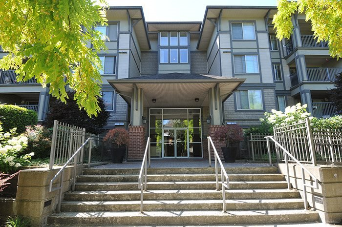 """Main Photo: 315 2468 ATKINS Avenue in Port Coquitlam: Central Pt Coquitlam Condo for sale in """"THE BORDEAUX"""" : MLS®# R2195449"""