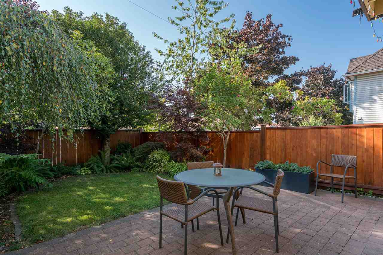 """Main Photo: 3348 FINDLAY Street in Vancouver: Victoria VE Townhouse for sale in """"FINDLAY BY TROUT LAKE"""" (Vancouver East)  : MLS®# R2201672"""