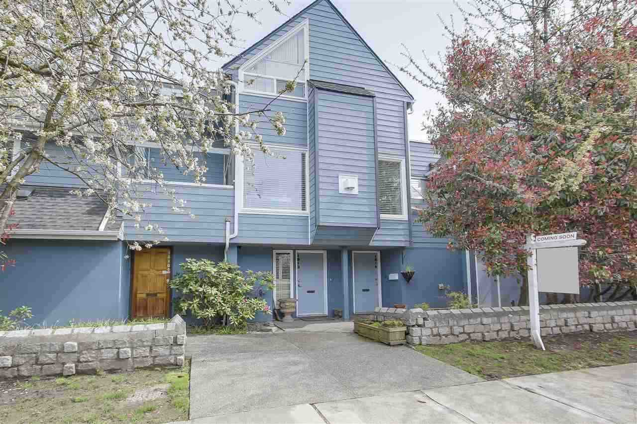 Main Photo: 1812 MACDONALD Street in Vancouver: Kitsilano Townhouse for sale (Vancouver West)  : MLS®# R2285388