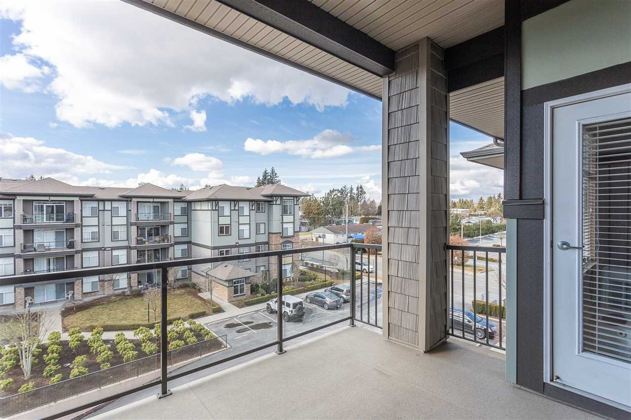 "Photo 18: Photos: 409 33338 MAYFAIR Avenue in Abbotsford: Central Abbotsford Condo for sale in ""The Sterling"" : MLS®# R2346998"