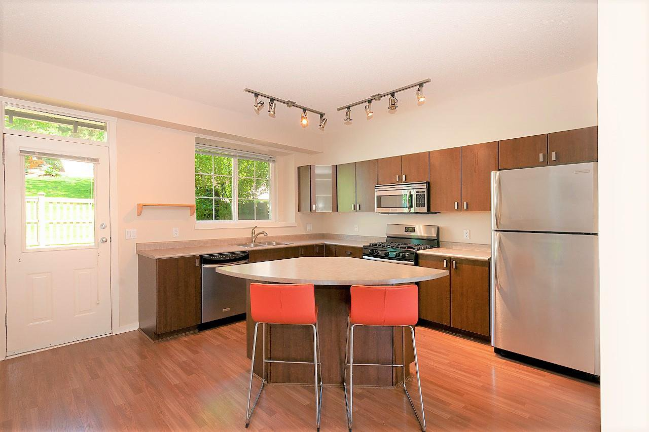 """Main Photo: 84 2200 PANORAMA Drive in Port Moody: Heritage Woods PM Townhouse for sale in """"QUEST"""" : MLS®# R2383077"""