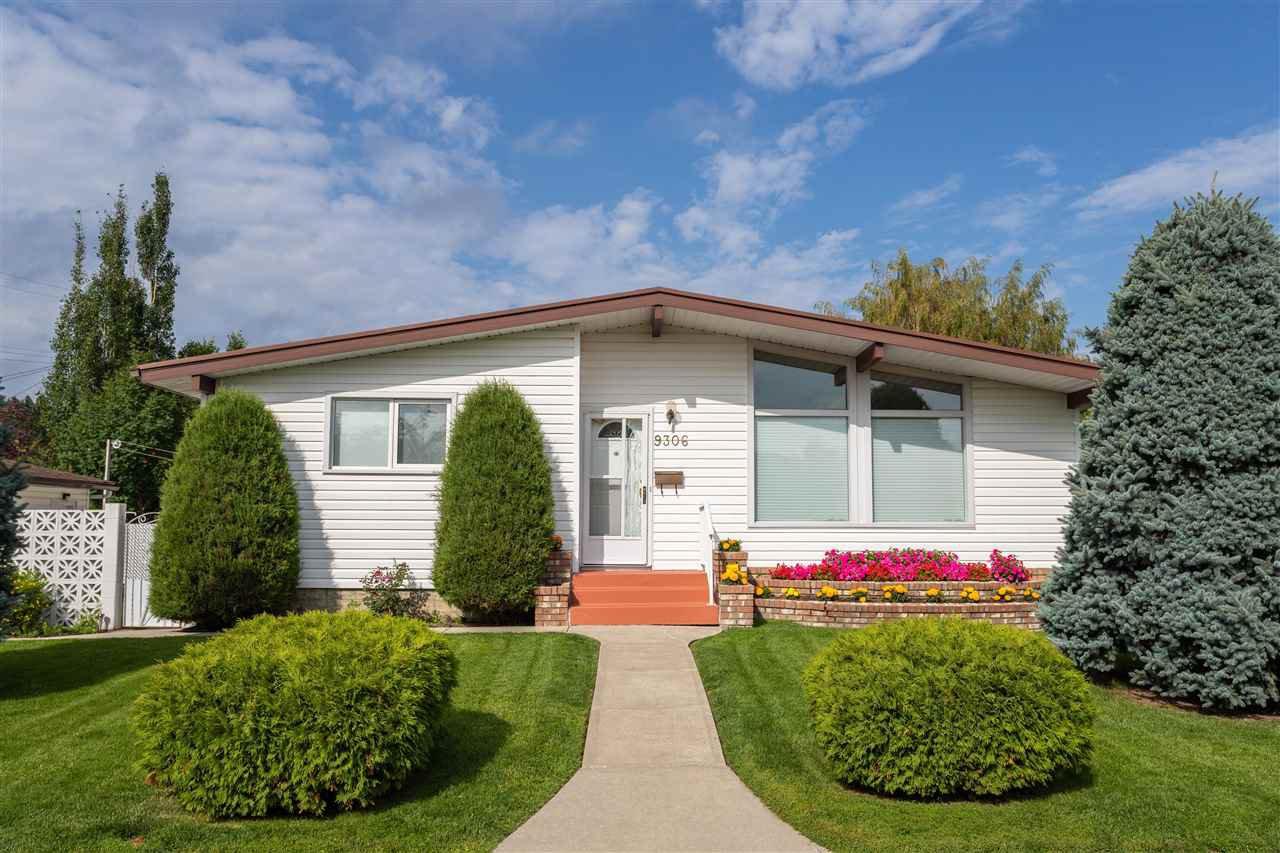 Main Photo: 9306 166 Street in Edmonton: Zone 22 House for sale : MLS®# E4168247