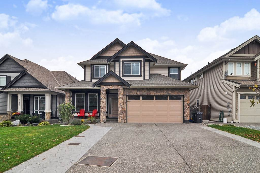 Main Photo: 20433 98A Avenue in Langley: Walnut Grove House for sale : MLS®# R2417842