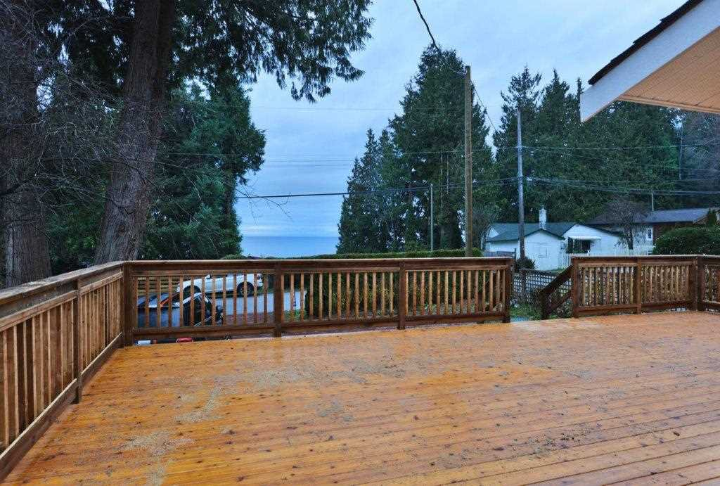 Photo 3: Photos: 3242 BEACH Avenue: Roberts Creek House for sale (Sunshine Coast)  : MLS®# R2425988