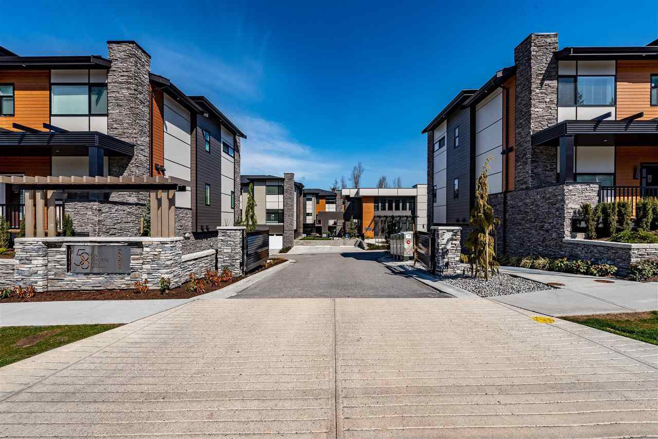 """Main Photo: 46 33209 CHERRY Avenue in Mission: Mission BC Townhouse for sale in """"58 on Cherry Hill"""" : MLS®# R2456923"""