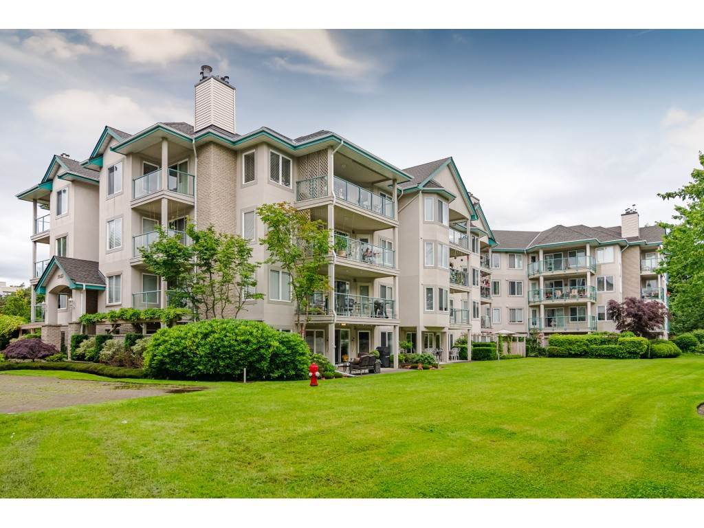 "Main Photo: 101 20453 53 Avenue in Langley: Langley City Condo for sale in ""Countryside Estates"" : MLS®# R2463160"