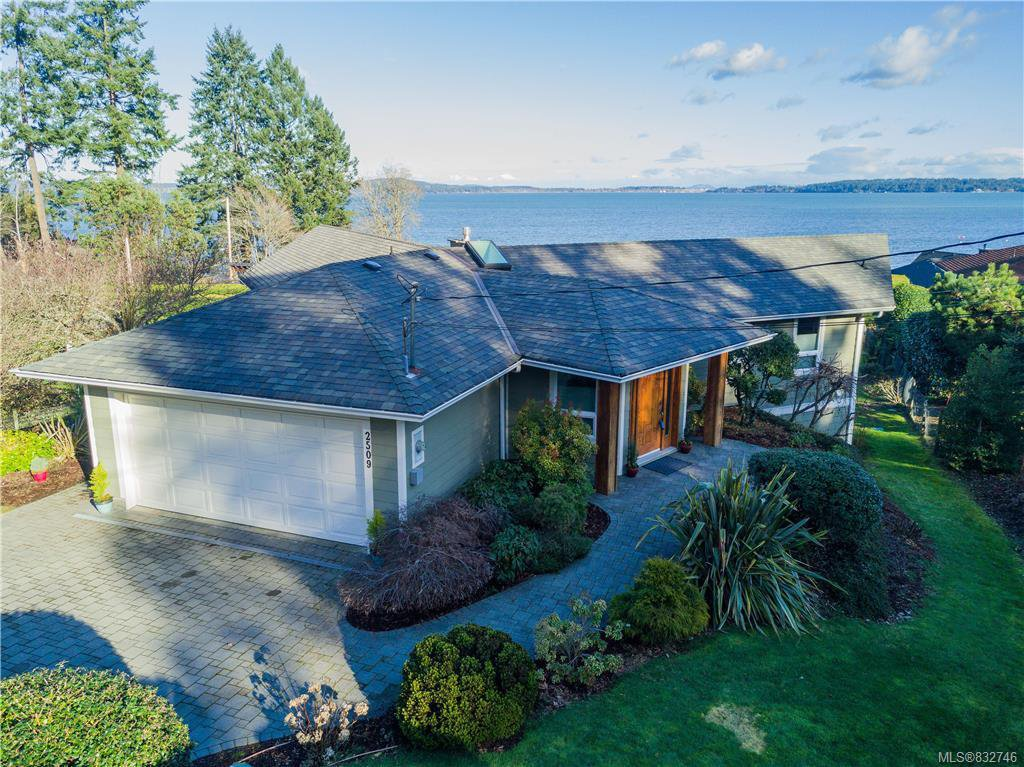 Main Photo: 2509 Mill Bay Rd in Mill Bay: ML Mill Bay Single Family Detached for sale (Malahat & Area)  : MLS®# 832746