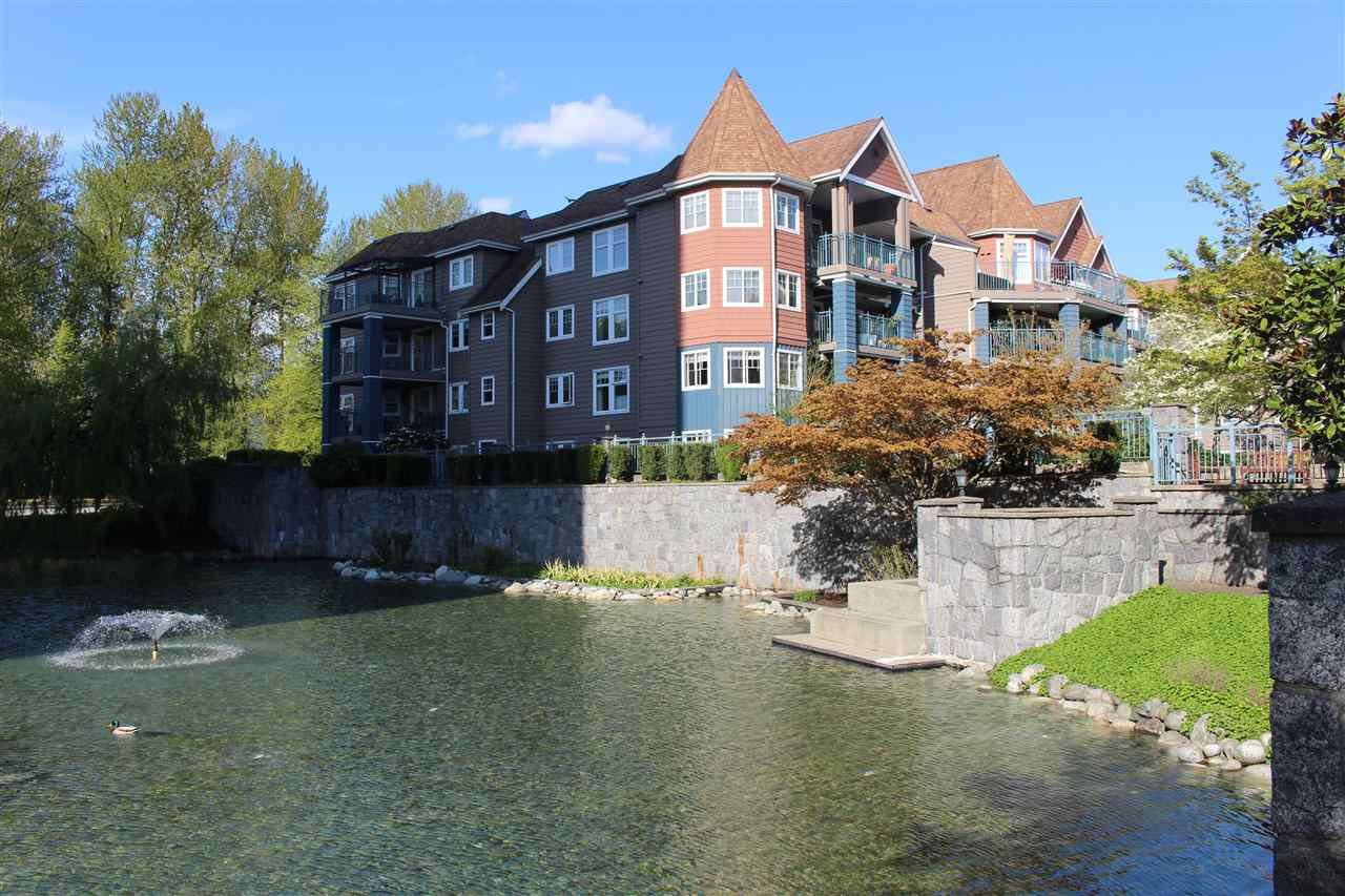 "Main Photo: 403 1200 EASTWOOD Street in Coquitlam: North Coquitlam Condo for sale in ""LAKESIDE TERRACE"" : MLS®# R2484814"