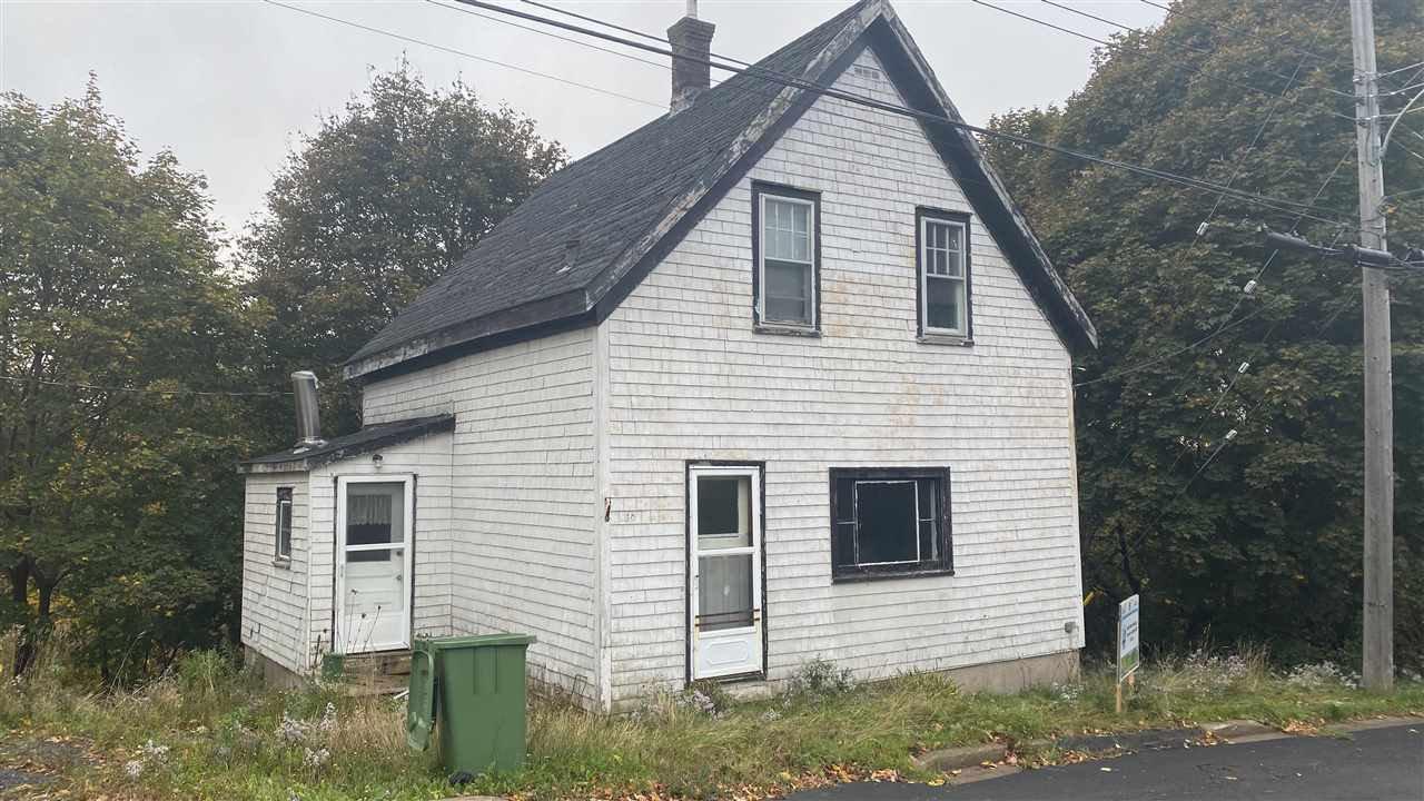 Main Photo: 30 Oak Street in Trenton: 107-Trenton,Westville,Pictou Residential for sale (Northern Region)  : MLS®# 202022284