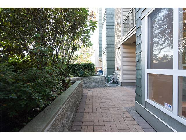 """Photo 9: Photos: # 106 8495 JELLICOE ST in Vancouver: Fraserview VE Condo for sale in """"RIVER GATE"""" (Vancouver East)  : MLS®# V1009758"""