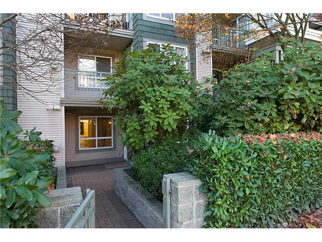 """Photo 8: Photos: # 106 8495 JELLICOE ST in Vancouver: Fraserview VE Condo for sale in """"RIVER GATE"""" (Vancouver East)  : MLS®# V1009758"""