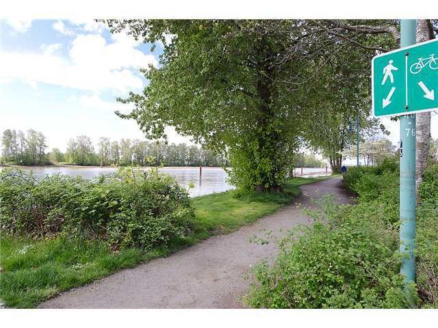 """Photo 10: Photos: # 106 8495 JELLICOE ST in Vancouver: Fraserview VE Condo for sale in """"RIVER GATE"""" (Vancouver East)  : MLS®# V1009758"""
