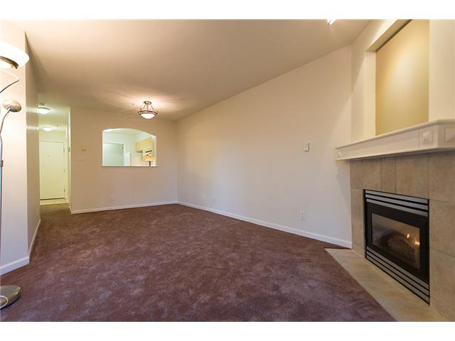 """Photo 4: Photos: # 106 8495 JELLICOE ST in Vancouver: Fraserview VE Condo for sale in """"RIVER GATE"""" (Vancouver East)  : MLS®# V1009758"""