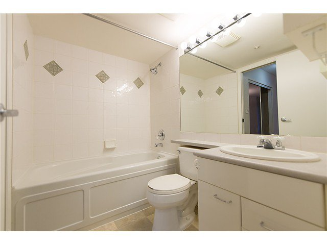 """Photo 7: Photos: # 106 8495 JELLICOE ST in Vancouver: Fraserview VE Condo for sale in """"RIVER GATE"""" (Vancouver East)  : MLS®# V1009758"""