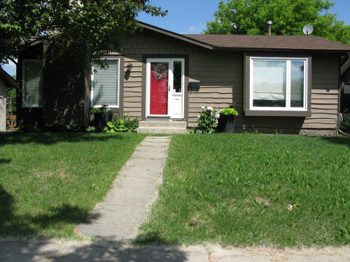 Main Photo: 1131 Chancellor Drive in Winnipeg: Waverley Heights Single Family Detached for sale (South Winnipeg)  : MLS®# 1415716