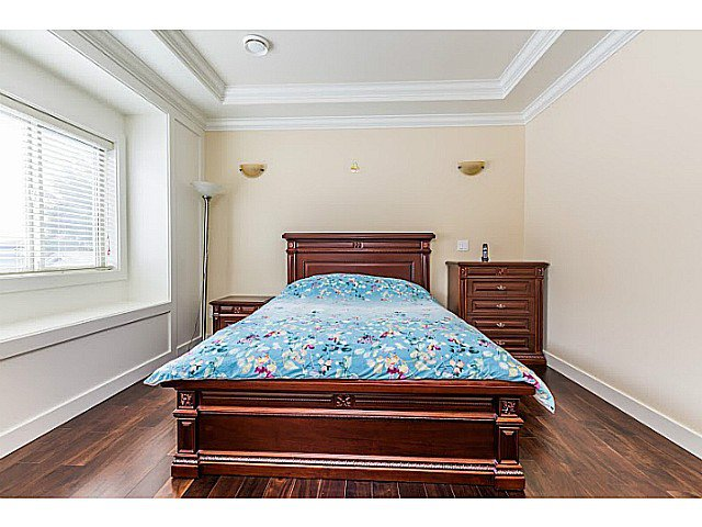 Photo 9: Photos: 11066 TRIMARAN GATE GT in Richmond: Steveston South House for sale : MLS®# V1097511