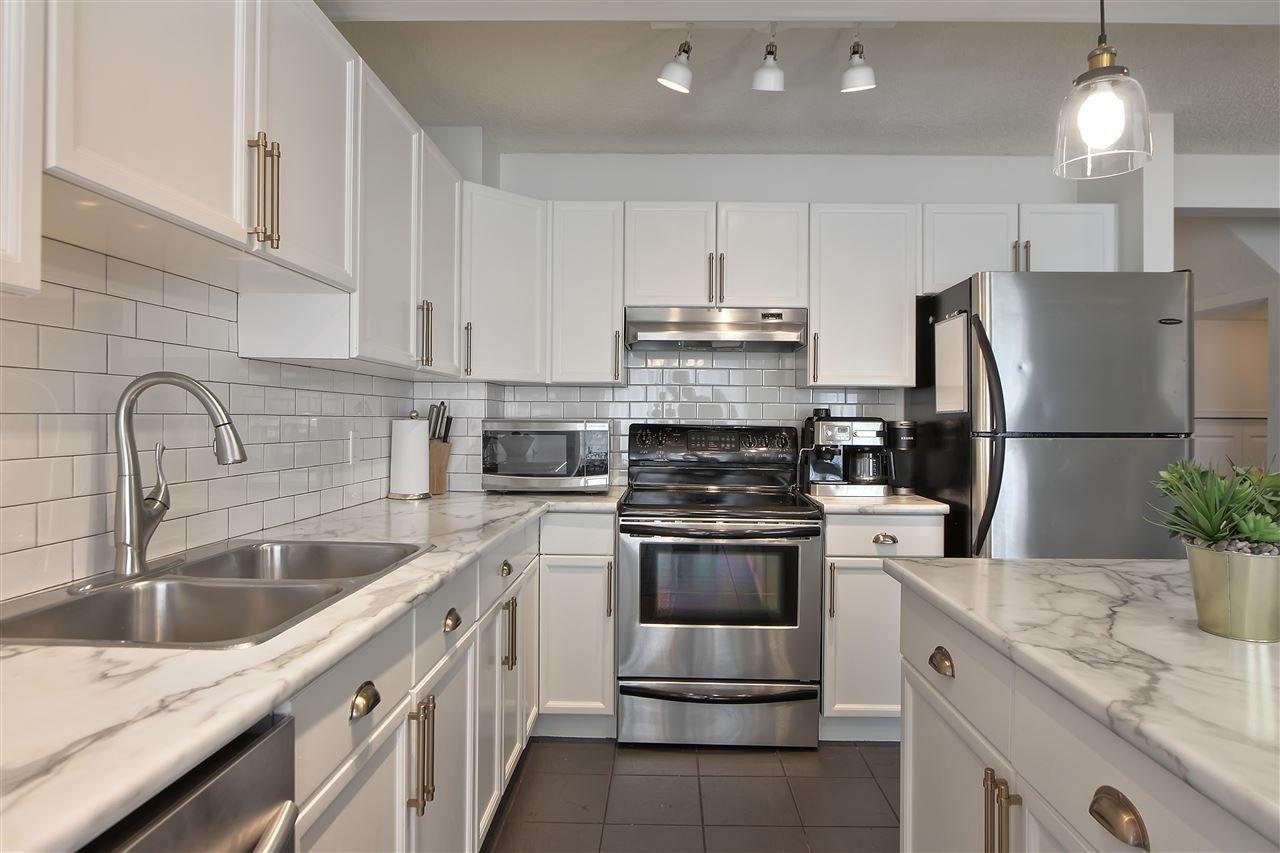 Main Photo: 63 VENTURA Street: Spruce Grove House Half Duplex for sale : MLS®# E4168866