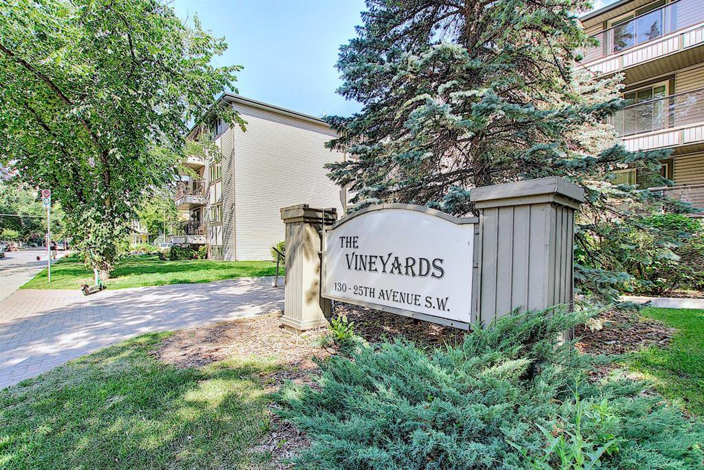 Main Photo: 303 130 25 Avenue SW in Calgary: Mission Apartment for sale : MLS®# A1023034