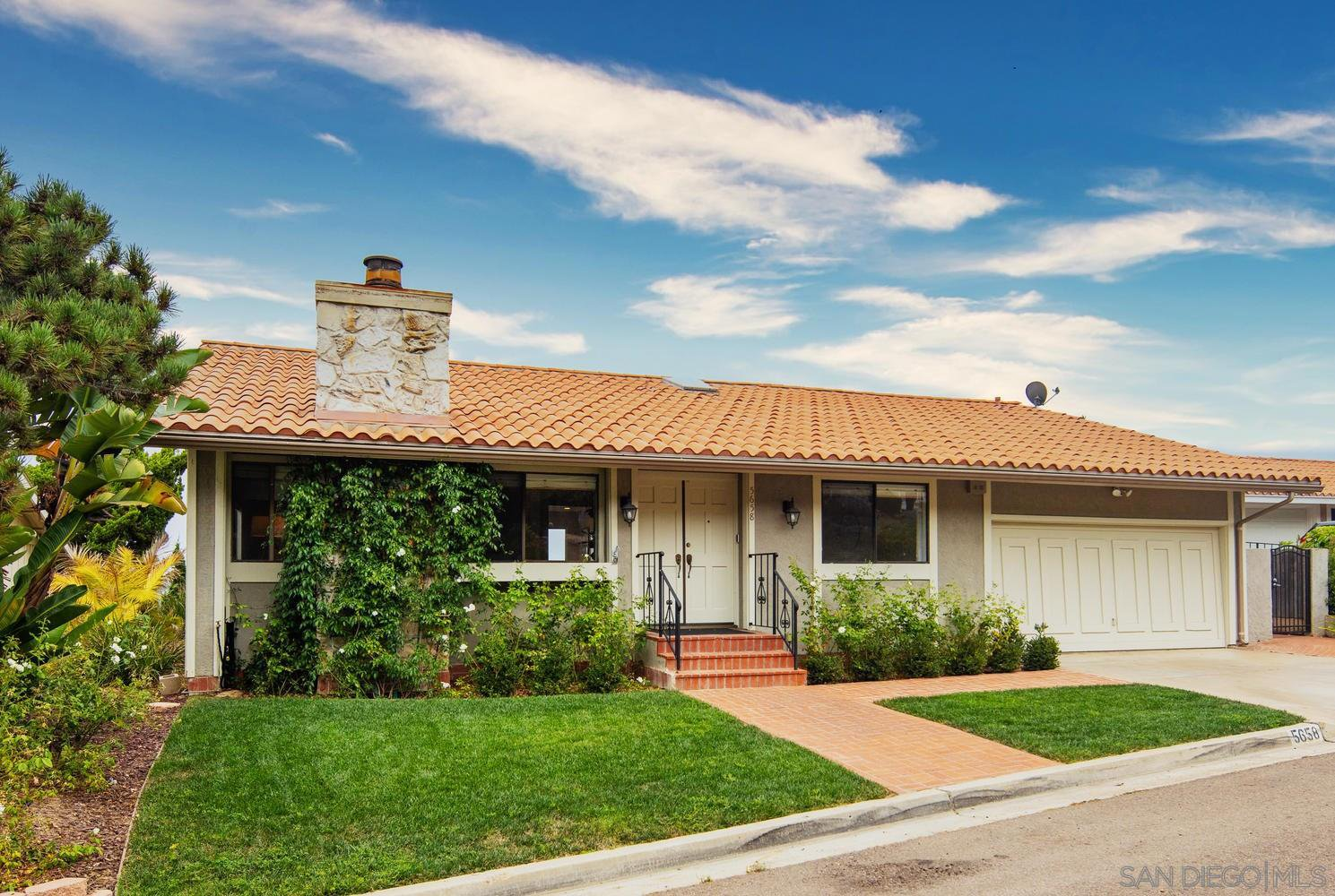 Main Photo: LA JOLLA House for sale : 3 bedrooms : 5658 Desert View Drive