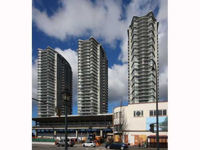 """Main Photo: 2307 892 CARNARVON Street in New Westminster: Downtown NW Condo for sale in """"Azure II"""" : MLS®# V937775"""