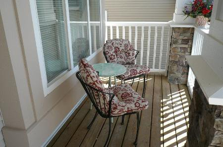 Photo 2: Photos: TRADITIONAL PLAN WITH CRAFTSMAN STYLING