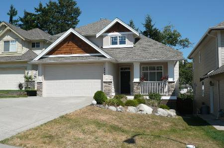 Photo 1: Photos: TRADITIONAL PLAN WITH CRAFTSMAN STYLING