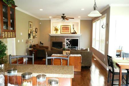 Photo 11: Photos: TRADITIONAL PLAN WITH CRAFTSMAN STYLING
