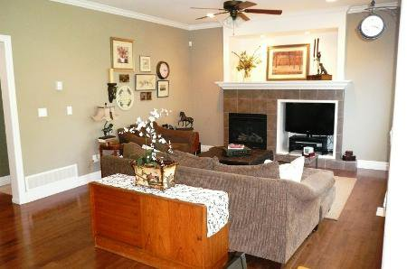 Photo 13: Photos: TRADITIONAL PLAN WITH CRAFTSMAN STYLING