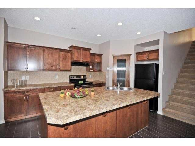 Photo 5: Photos: 105 VALLEYVIEW Court SE in CALGARY: West Dover Residential Detached Single Family for sale (Calgary)  : MLS®# C3536105