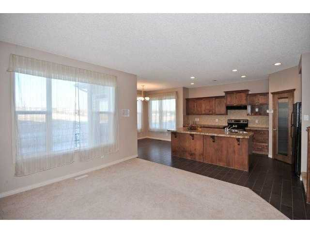 Photo 4: Photos: 105 VALLEYVIEW Court SE in CALGARY: West Dover Residential Detached Single Family for sale (Calgary)  : MLS®# C3536105