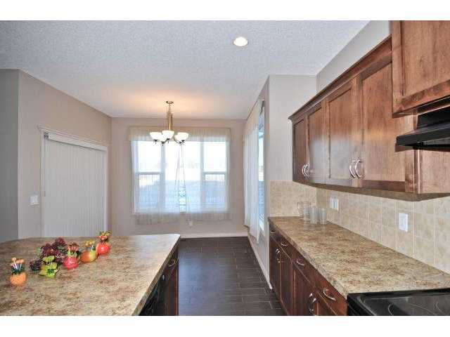 Photo 6: Photos: 105 VALLEYVIEW Court SE in CALGARY: West Dover Residential Detached Single Family for sale (Calgary)  : MLS®# C3536105