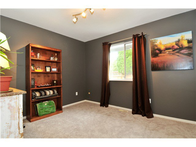 Photo 11: Photos: 19640 34A AV in Langley: Brookswood Langley House for sale : MLS®# F1322761