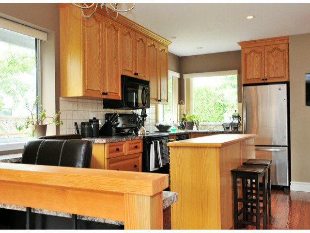 Photo 3: Photos: 19640 34A AV in Langley: Brookswood Langley House for sale : MLS®# F1322761