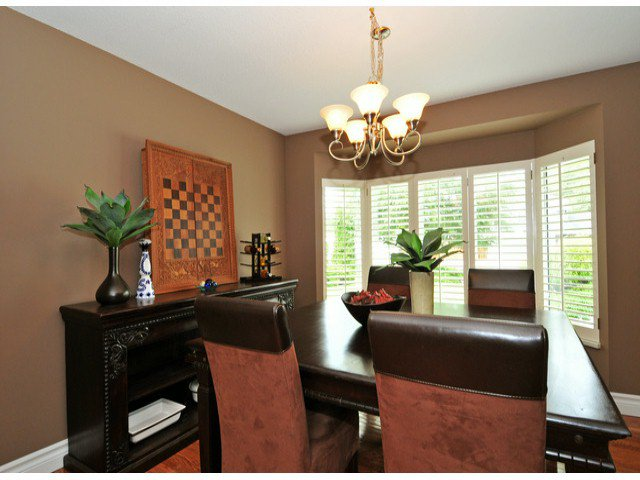 Photo 8: Photos: 19640 34A AV in Langley: Brookswood Langley House for sale : MLS®# F1322761