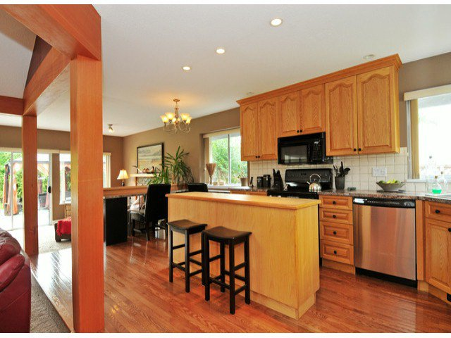 Photo 4: Photos: 19640 34A AV in Langley: Brookswood Langley House for sale : MLS®# F1322761