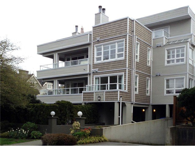 Main Photo: # 201 2110 YORK AV in Vancouver: Kitsilano Condo for sale (Vancouver West)  : MLS®# V1058982