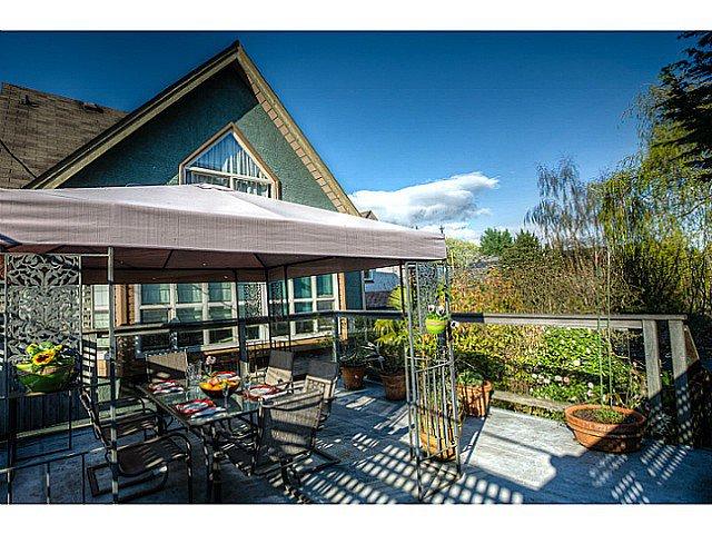 Main Photo: 3658 W 8TH AV in Vancouver: Kitsilano 1/2 Duplex for sale (Vancouver West)  : MLS®# V1114360