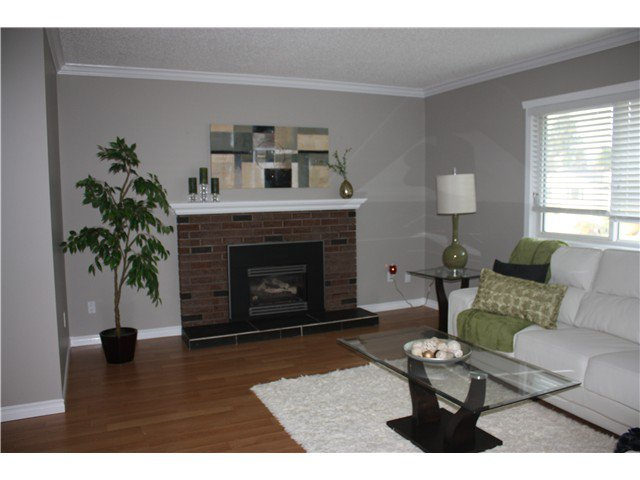 Photo 3: Photos: 1914 Taylor Street in Port Coquitlam: Lower Mary Hill House for sale : MLS®# V1113141
