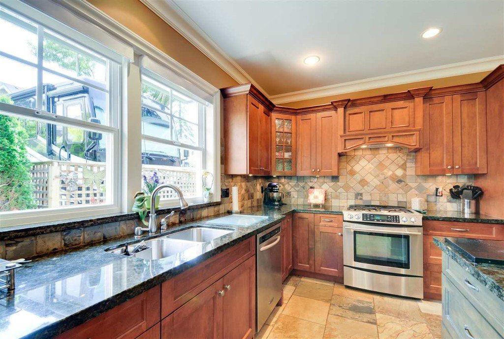 Photo 10: Photos: 1878 128th Street, Surrey, BC in Surrey: Crescent Bch Ocean Pk. House for sale (South Surrey White Rock)  : MLS®# R2076166