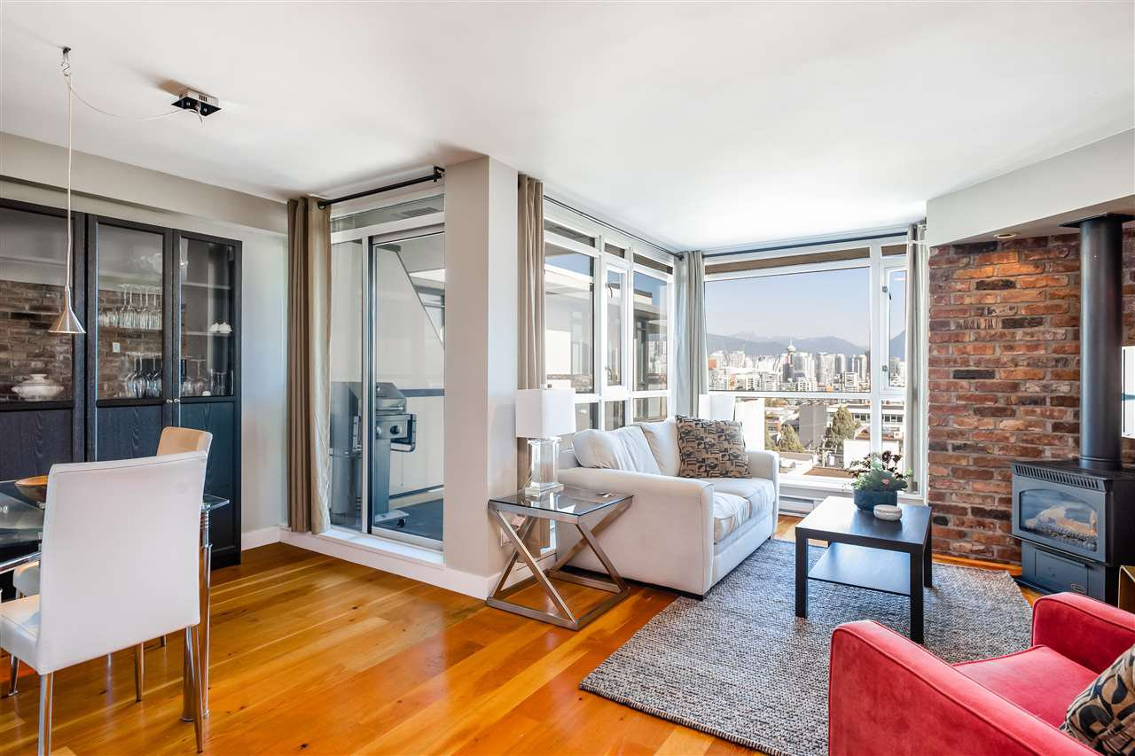 "Main Photo: 412 2515 ONTARIO Street in Vancouver: Mount Pleasant VW Condo for sale in ""ELEMENTS"" (Vancouver West)  : MLS®# R2403431"