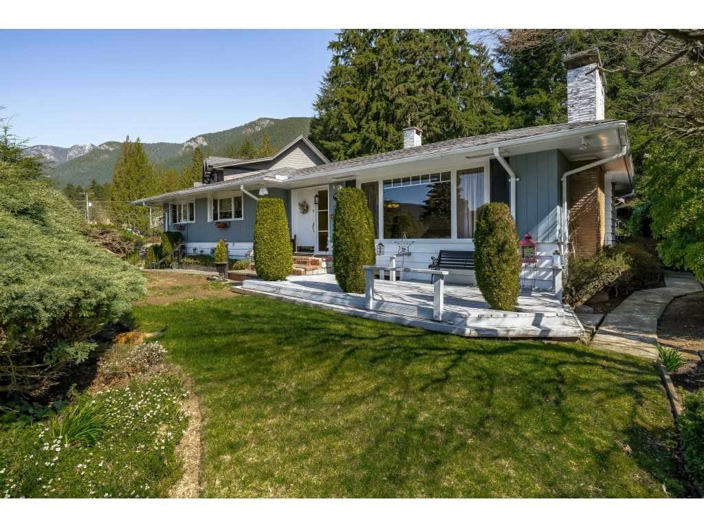 """Main Photo: 4640 HIGHLAND Boulevard in North Vancouver: Canyon Heights NV House for sale in """"CANYON HEIGHTS"""" : MLS®# R2404343"""