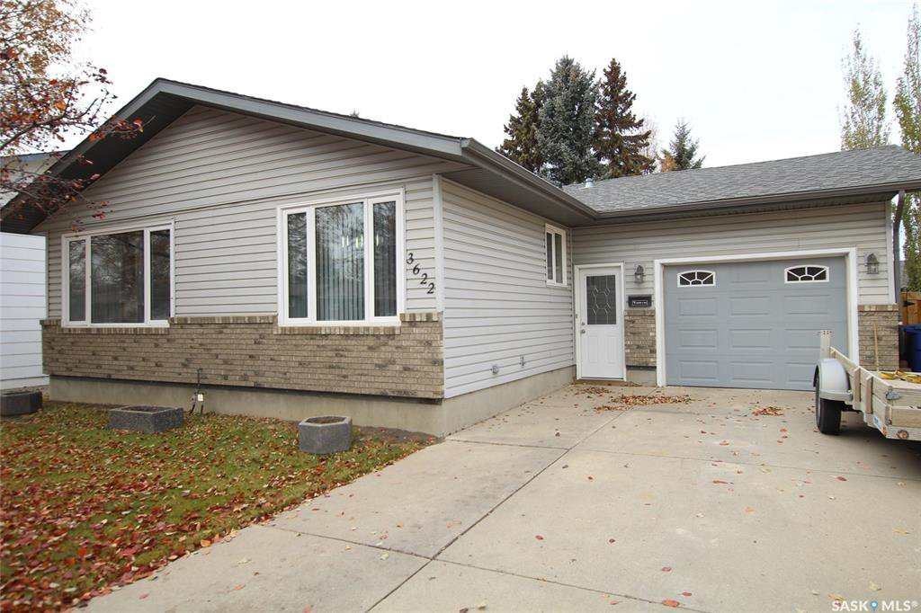 Main Photo: 3622 Fairlight Drive in Saskatoon: Parkridge SA Residential for sale : MLS®# SK790050