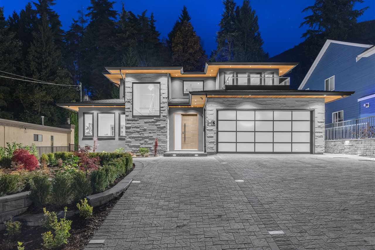 Main Photo: 968 PROSPECT Avenue in North Vancouver: Canyon Heights NV House for sale : MLS®# R2430394