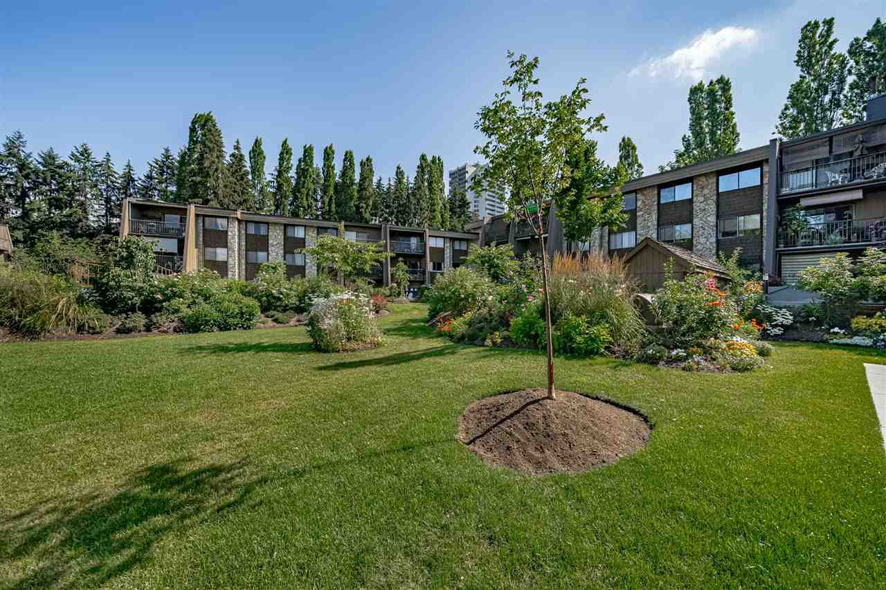 """Main Photo: 323 9101 HORNE Street in Burnaby: Government Road Condo for sale in """"WOODSTONE PLACE"""" (Burnaby North)  : MLS®# R2478594"""