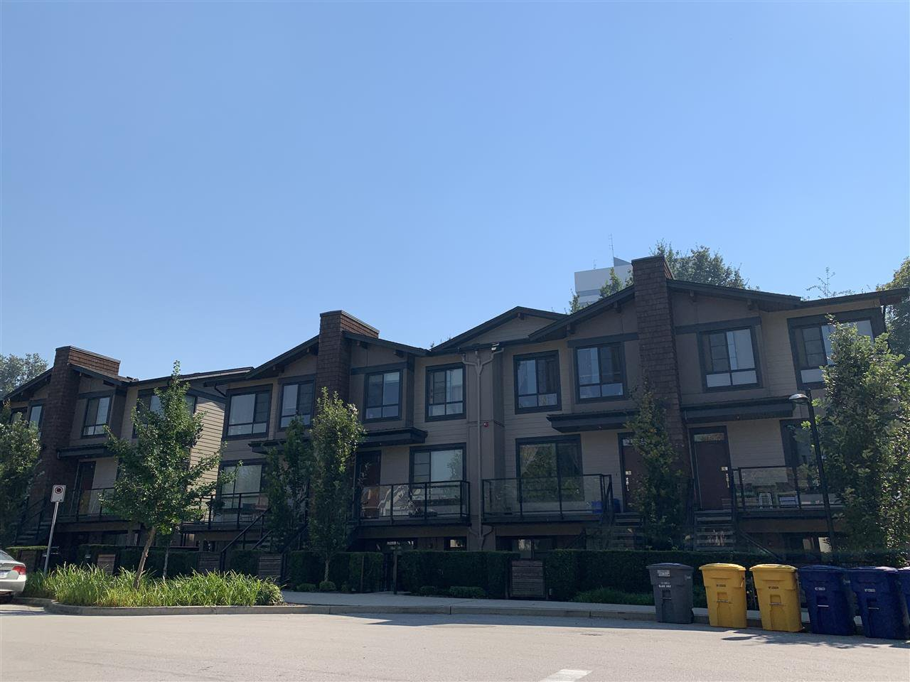 Main Photo: 22 3728 THURSTON Street in Burnaby: Central Park BS Townhouse for sale (Burnaby South)  : MLS®# R2497891