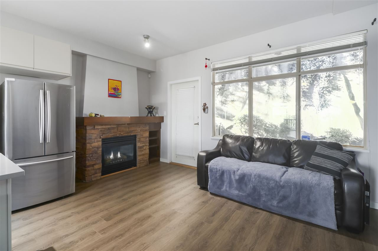 """Photo 6: Photos: 11 320 DECAIRE Street in Coquitlam: Central Coquitlam Townhouse for sale in """"OUTLOOK"""" : MLS®# R2498311"""