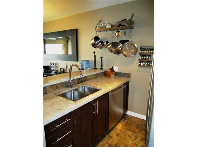 Main Photo: 204 2216 W 3RD Avenue in Vancouver: Kitsilano Condo for sale (Vancouver West)  : MLS®# V825816