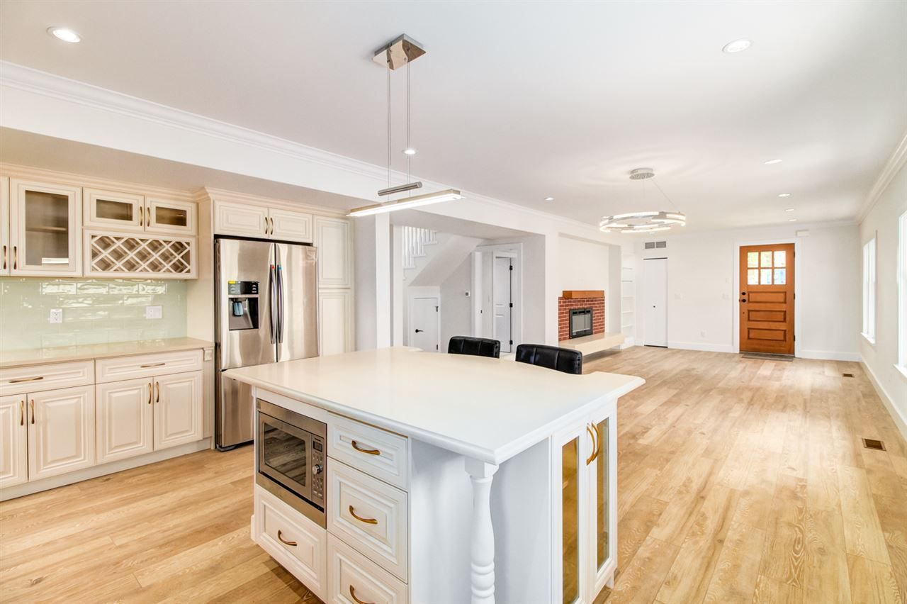 Main Photo: 225 BEGIN STREET in Coquitlam: Maillardville House for sale : MLS®# R2281913