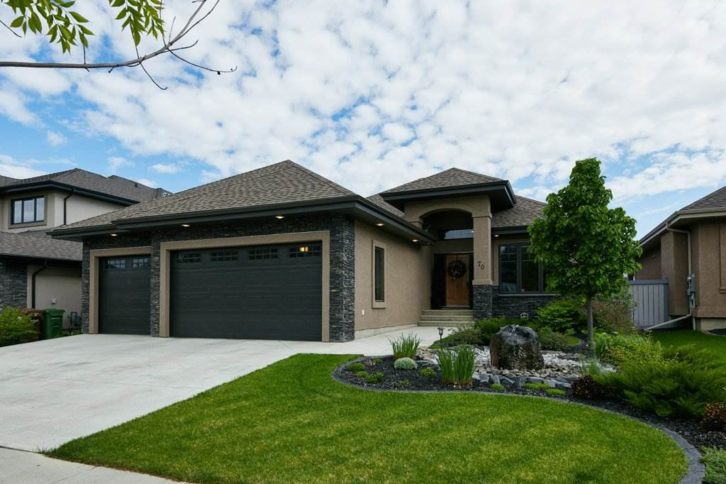 Main Photo: 70 LACOMBE Drive: St. Albert House for sale : MLS®# E4201057